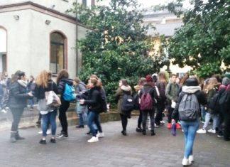 magenta-protesta-studenti-liceo-quasimodo_02