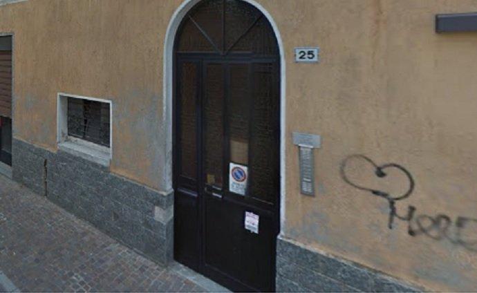 Donna uccisa a coltellate nel Milanese, confessa il convivente