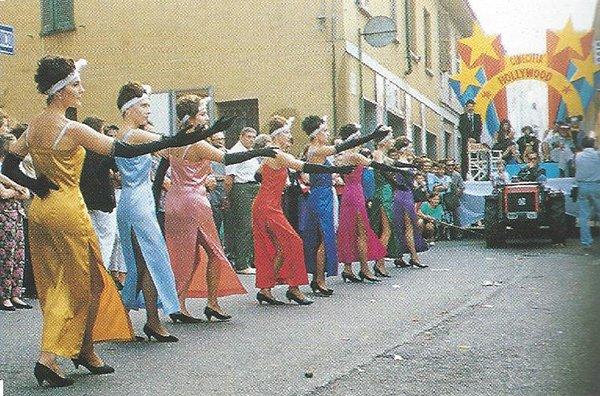 palio-contrade-arluno-sfilata-carri-allegorici-1989