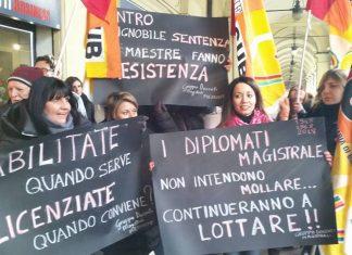 protesta-diplomati-magistrali-scuola